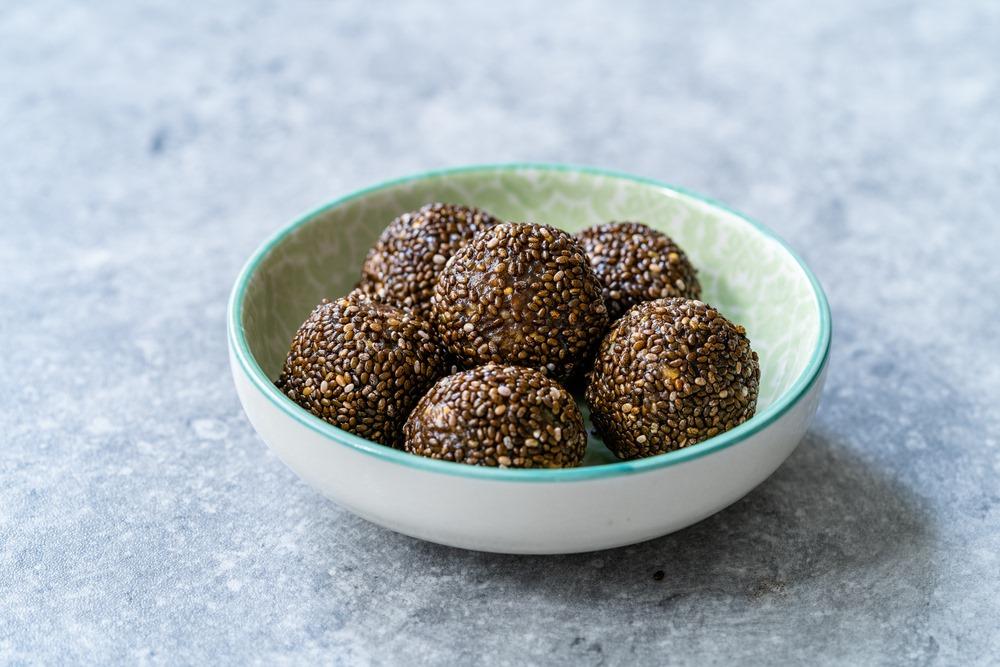 Healthy, vegan energy balls